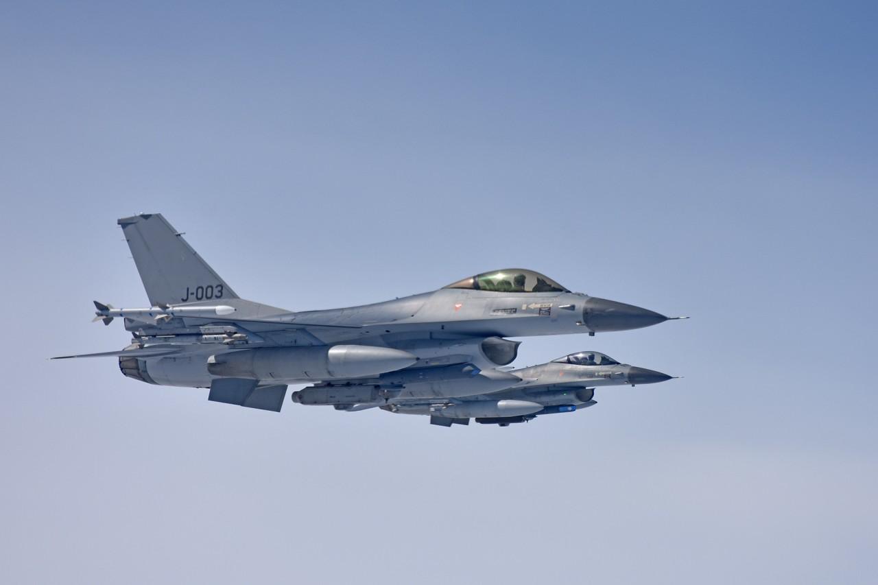 Een F-16 van de Koninklijke Luchtmacht tijdens de EART-training in 2018