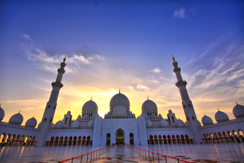 """""""Sheikh Zayed Grand Mosque"""" by :: Suwaif :: is licensed under CC BY-SA 2.0"""