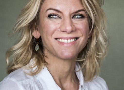 Freelance journalist Resi Lankester schreef het non-fictieboek Na de Val, over achterblijven na zelfdoding